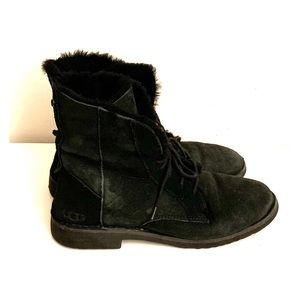 UGG Quincy lace up boots!